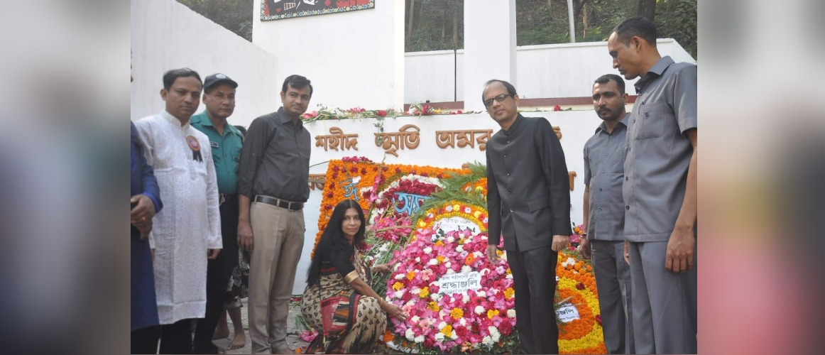 H.E. Mr. Anindya Banerjee, Assistant High Commissioner of India paying obeisance to the martyrs of language movement of 21 February 1952 at Saheed Minar, Chittagong